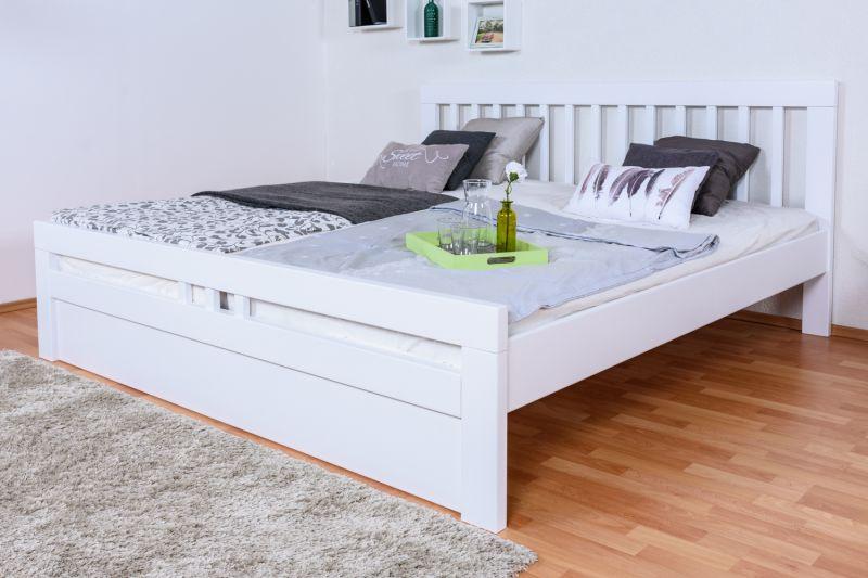 """Doppelbett """"Easy Premium Line"""" K8 inkl.1 Abdeckblende, 200 x 200 cm Buche Vollholz massiv weiß lackiert"""