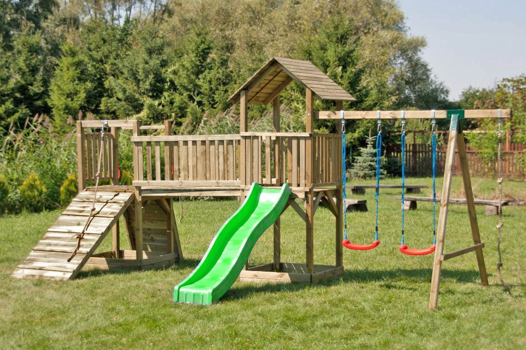 Kinder Spielturm mit zwei Türmen, Rutsche, Doppel-Schaukel, Kletterseil